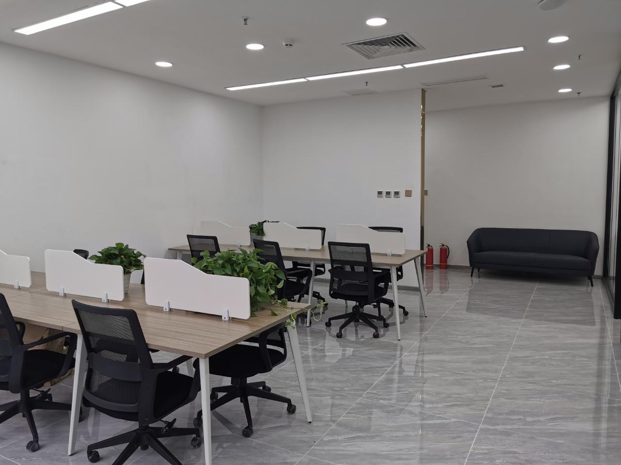 朝北丨经典小户型 中汇国际中心138平米 3隔间+16工位