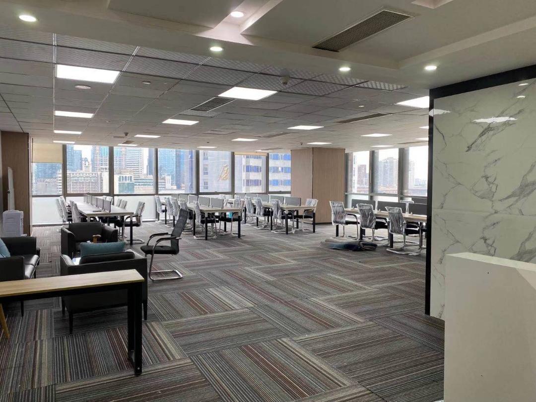 富力中心385平米现房精装带家具,大开间多工位