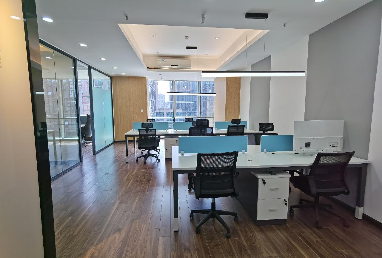 天府大道丨美年中心 123平米纯写 精致装修 平层户型