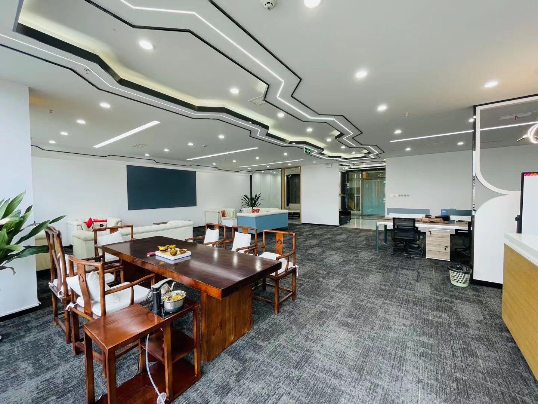 环球中心226平米中式家具搭配科技装饰,办公室风格独特