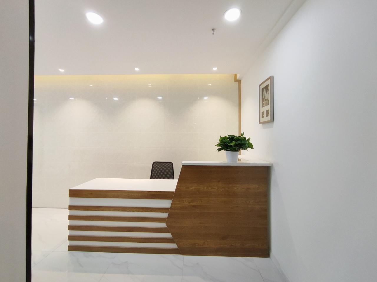 青羊万达广场地铁口精装带家具3隔间10工位