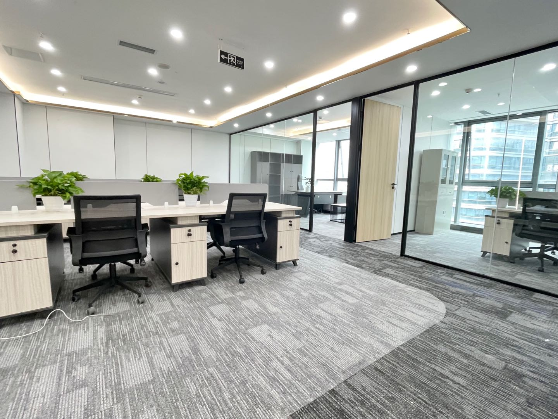 高新区广都地铁口精装4隔间12工位可配家具