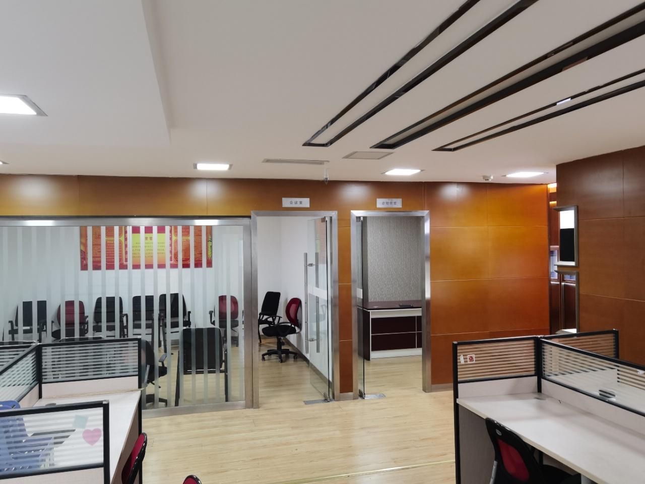 同瑞国际写字楼 办公室特价房!10月优质新房 3办公室12大工位 采光通透市中心