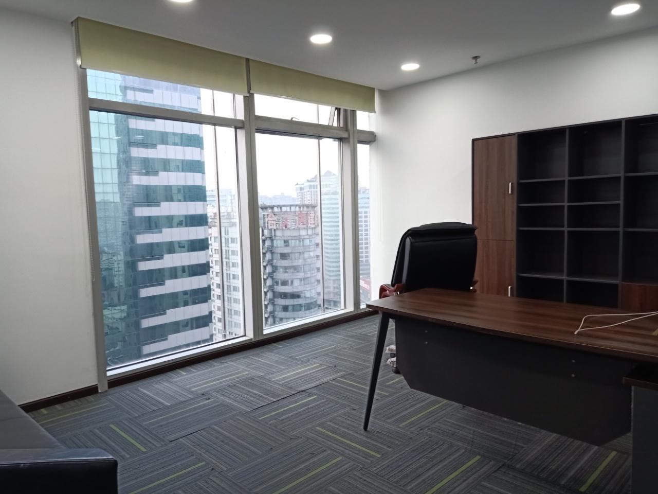 泰丰国际广场 市中心 8隔间48工位 高区视野 双面采光 有免费配套区(办公室,茶水间等等)