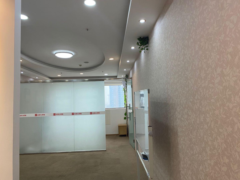 尊城国际  70平米 户型方正 单隔间 带形象墙