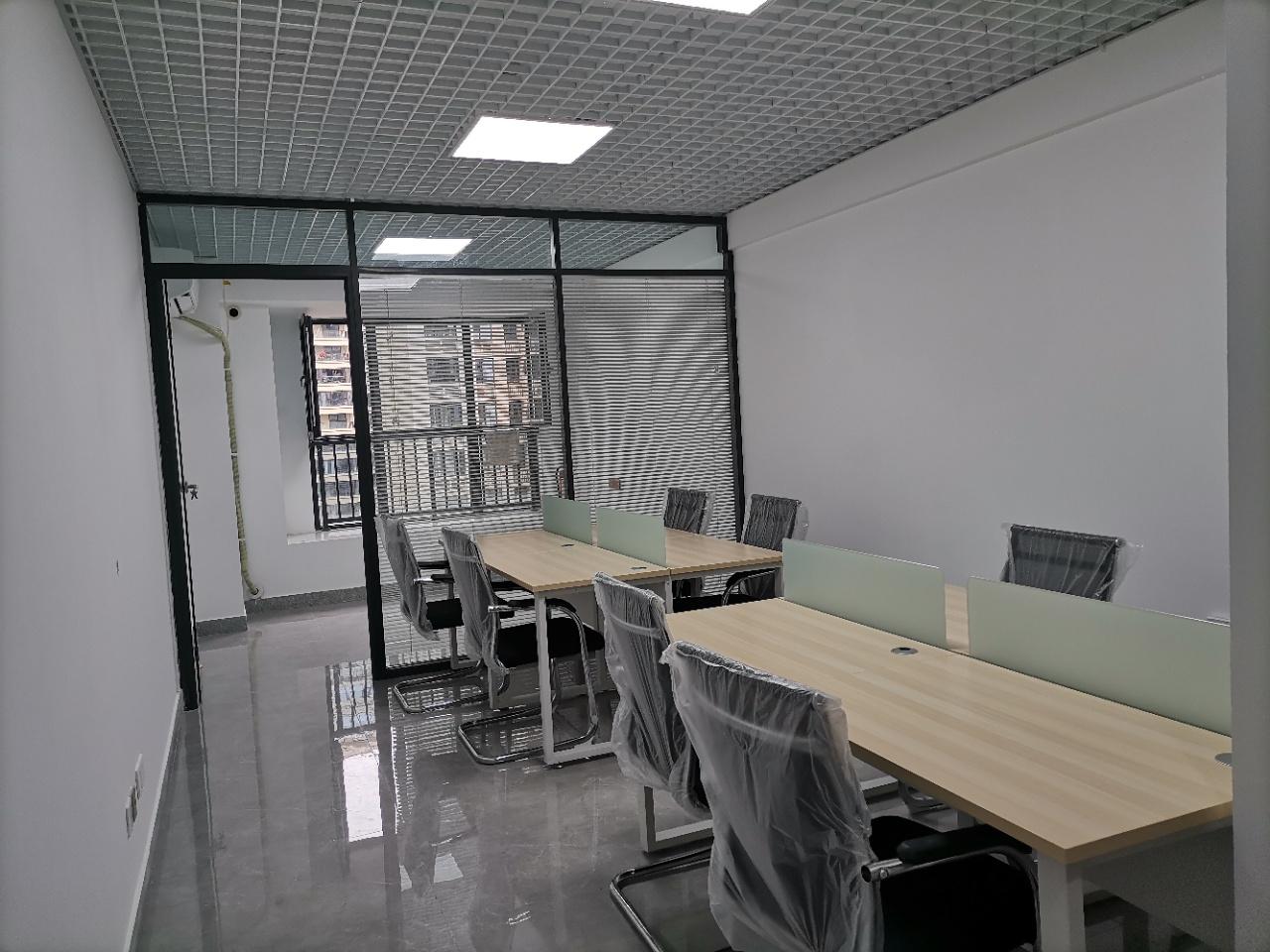 青羊万达丨超小创业办公单间49平米可容纳8工位