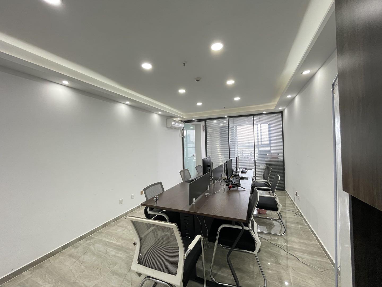 青羊万达丨楼下就是商圈,办公环境优美53平米精致办公