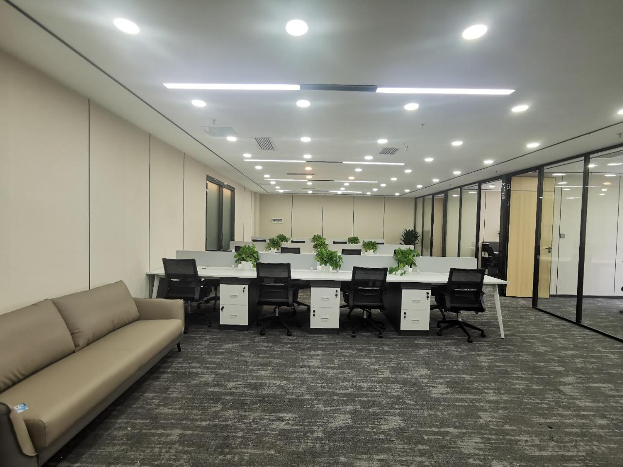 天府三街 香年广场 艺术精装带家具 4隔间30工位 商圈成熟