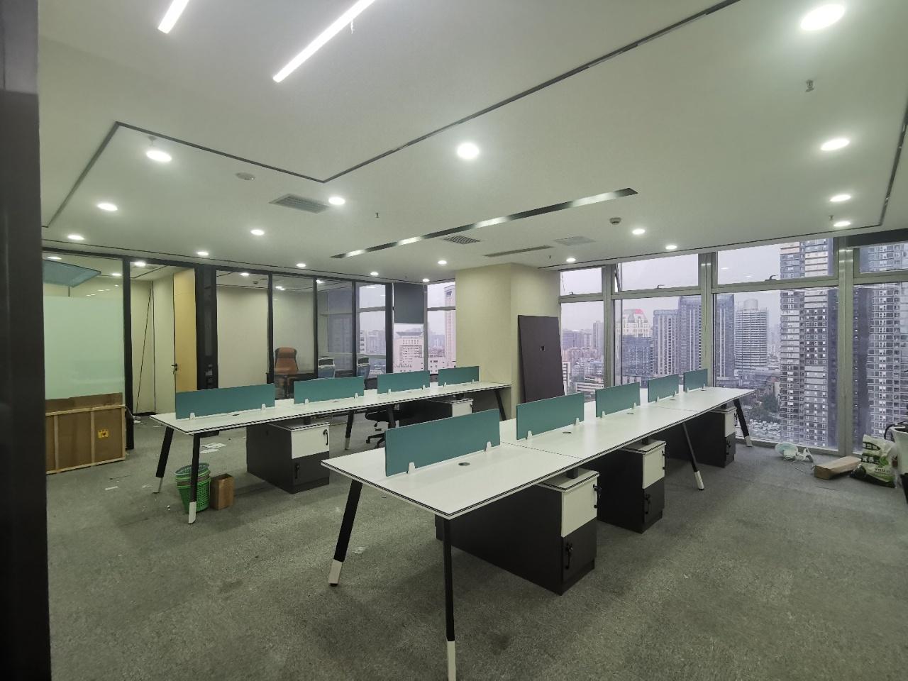 市中心 骡马市 现代精装纯写字楼 2隔间18工位 户型方正采光好