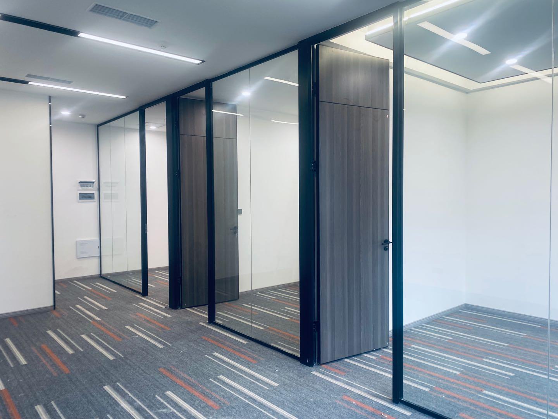 富顿中心 精装带家具 65含税 性价比高地铁口 斯通国际中心