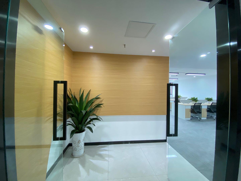 中开大厦 142平米 交通便利 现代轻奢风格装修