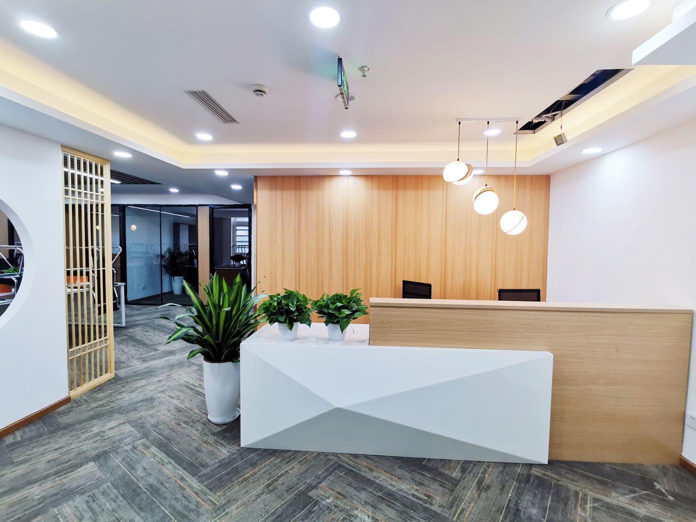 高新区金融城市一医院创业首选写字楼234平4隔间32工位限时特价
