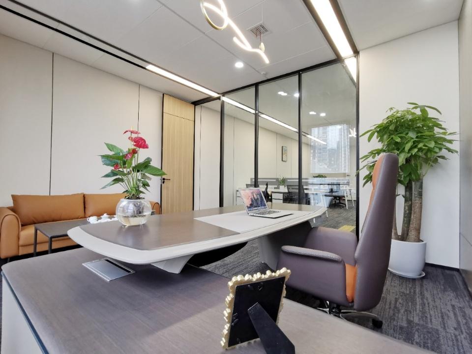 天府广场直达 正对电梯 丰德成达中心 轻奢办公3办公室8工位
