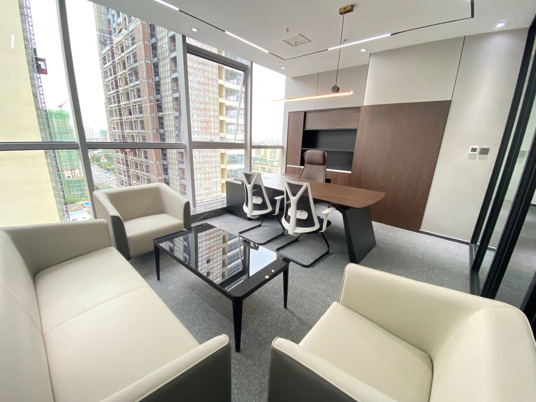 成华理工大学地铁口招商中央华城5隔间40工位精装带家具