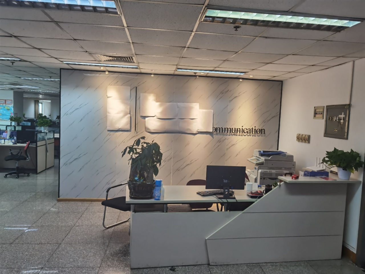 同瑞国际 市中心好房近地铁 3隔间192工位 适合电销