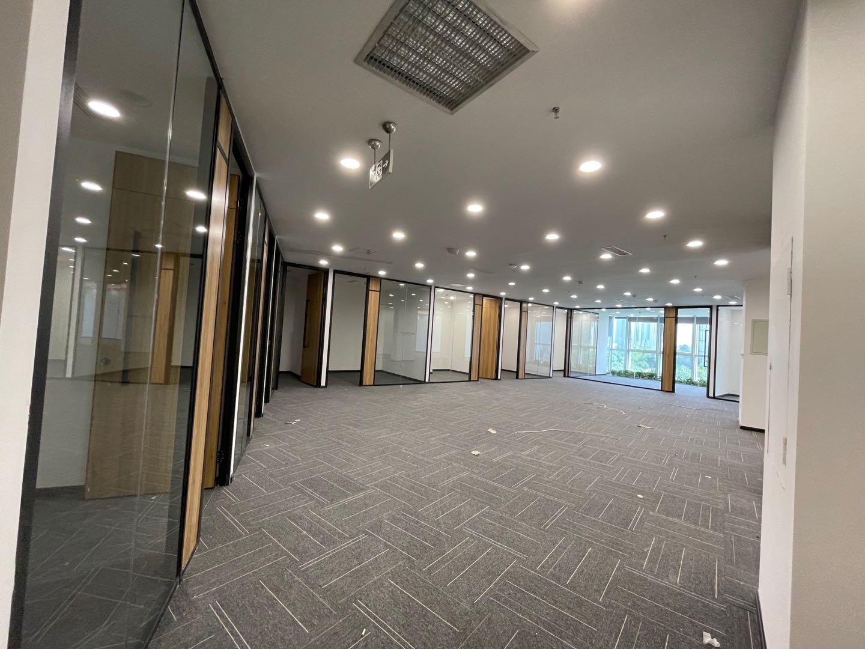 新川 科技园区创意中心丨488平米,多隔间直播带货格局