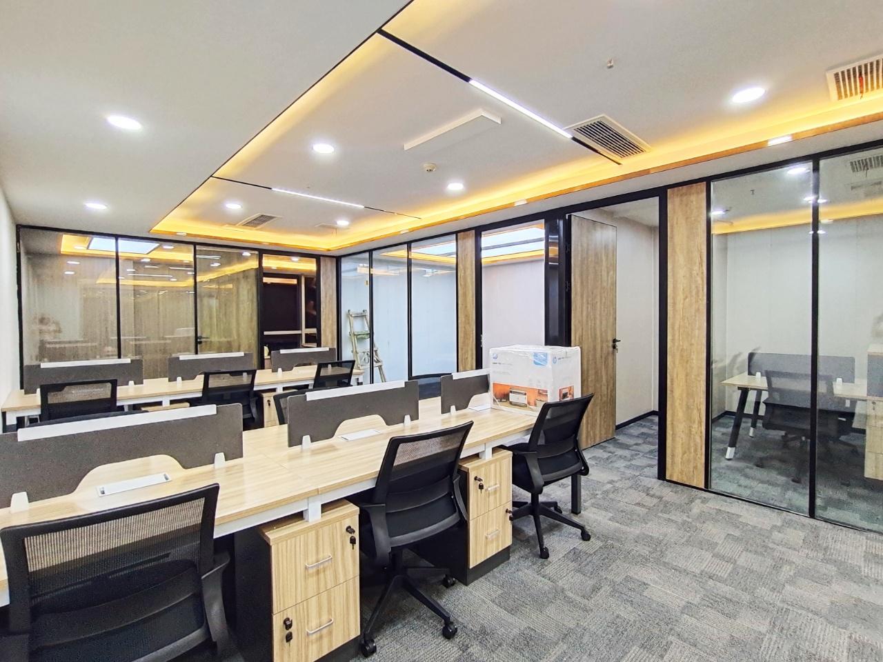 全新性价比高海港广场精装带家具3隔间16工位
