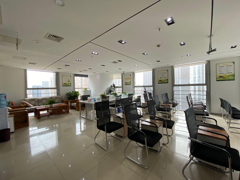 双采光丨金牛万达 275平米 开放式会议室方便管理