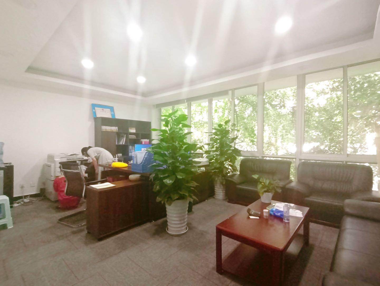 别墅丨西城国际132平米 中式装修丨 户型方正,采光好,带户外阳台,独立卫生间