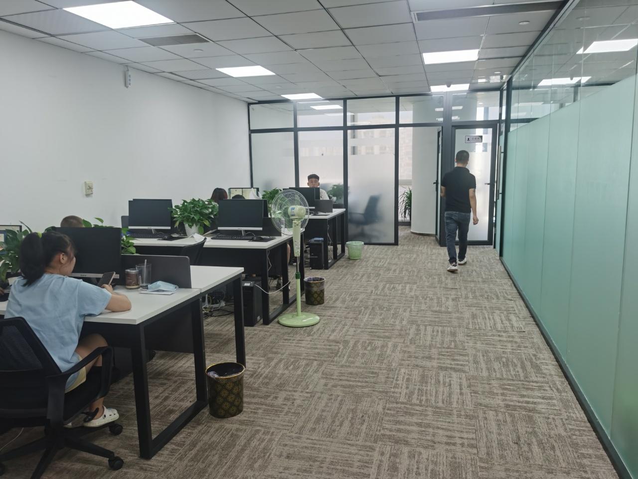 骡马市丨富力中心168平米  2办公室+1大培训室+12人工位