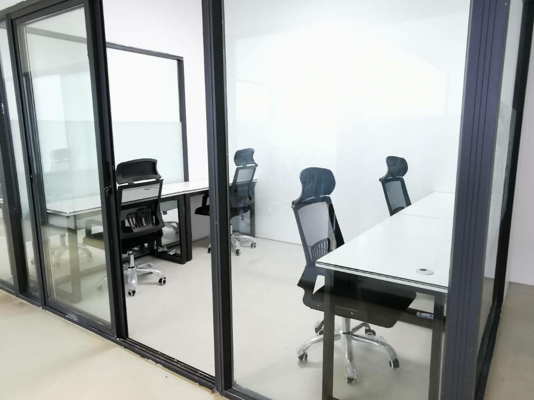 【联合办公】环球中心 8平米 4工位联合空间配套齐全