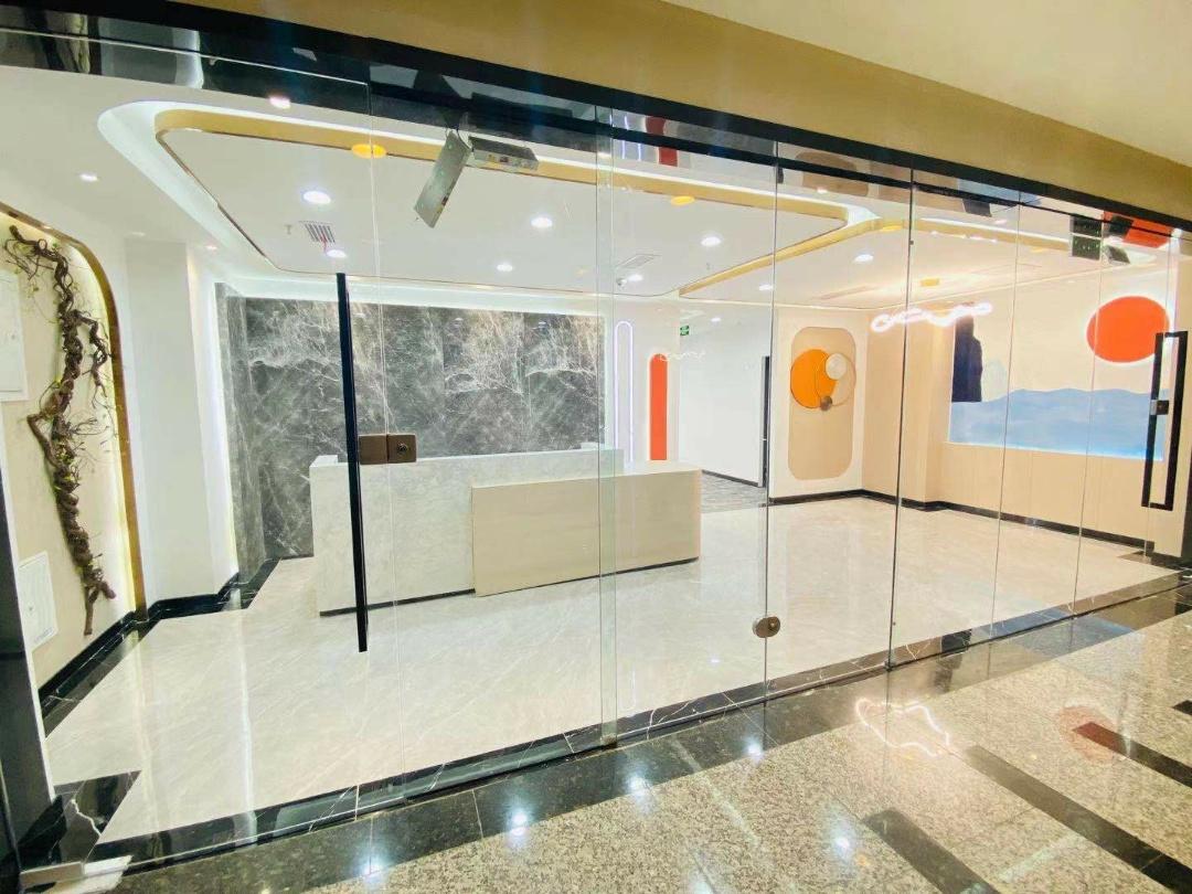 环球中心跃层 155平米 全新装修全新配色爱马仕橙,低调的奢华