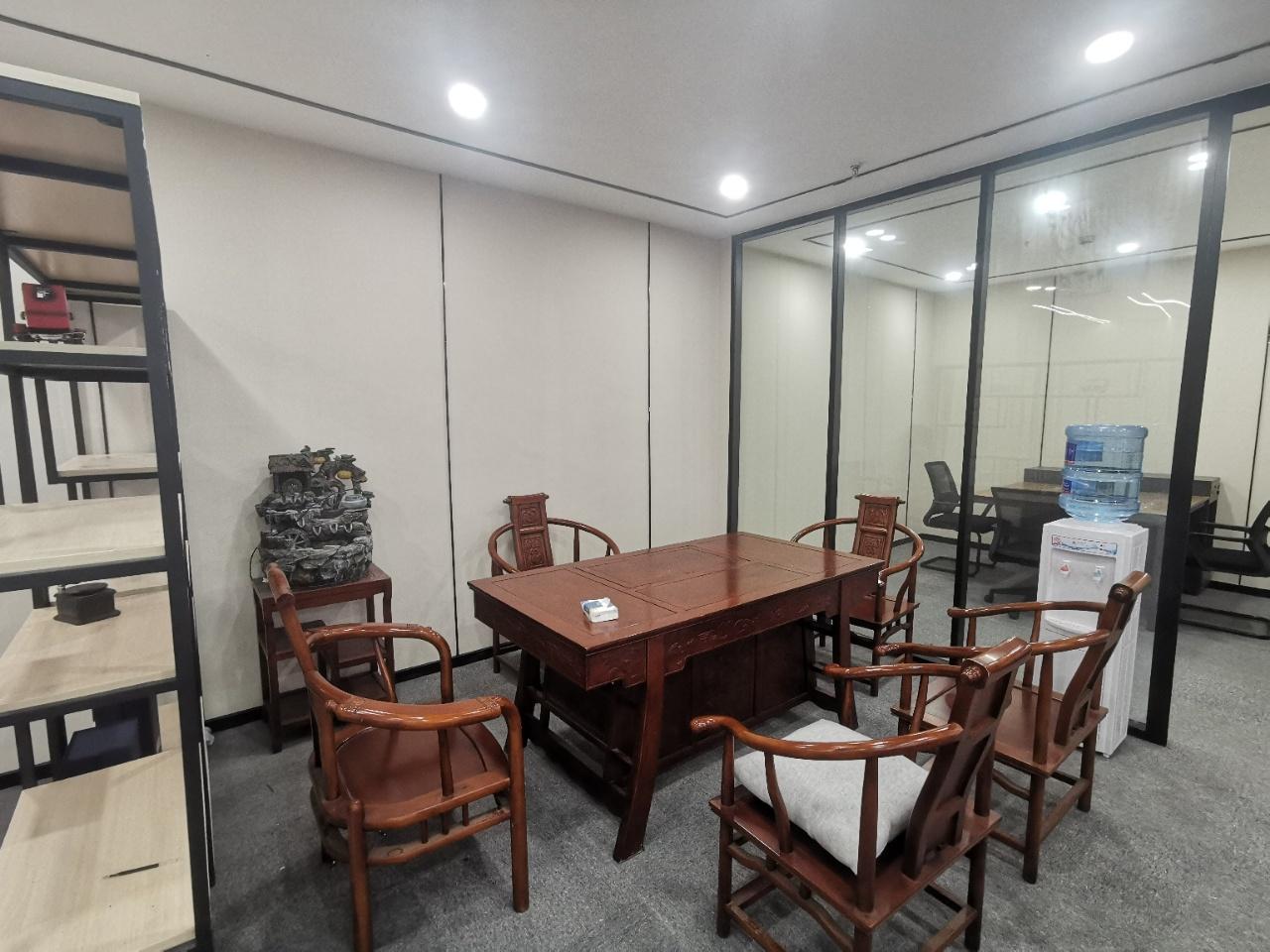 泰丰国际广场 现代精装 地铁口 骡马市 市中心 2隔间16工位
