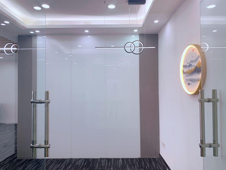 锦江区市二医院地铁口红星国际3隔间22工位