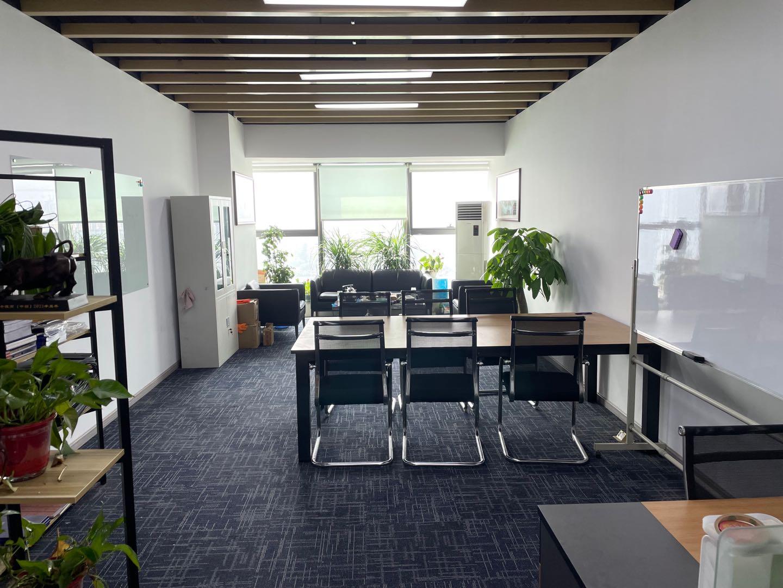 6号线欢乐谷旁丨华侨城·创想中心 60平米 大开间8工位