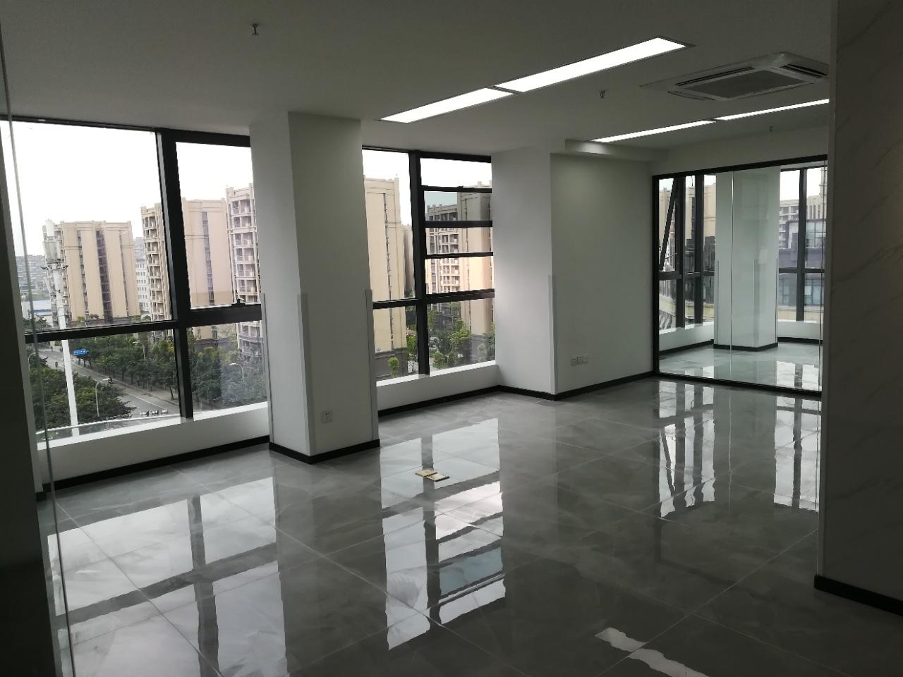 首信红星国际广场 153平米超大开间 装修品质高 超低物业