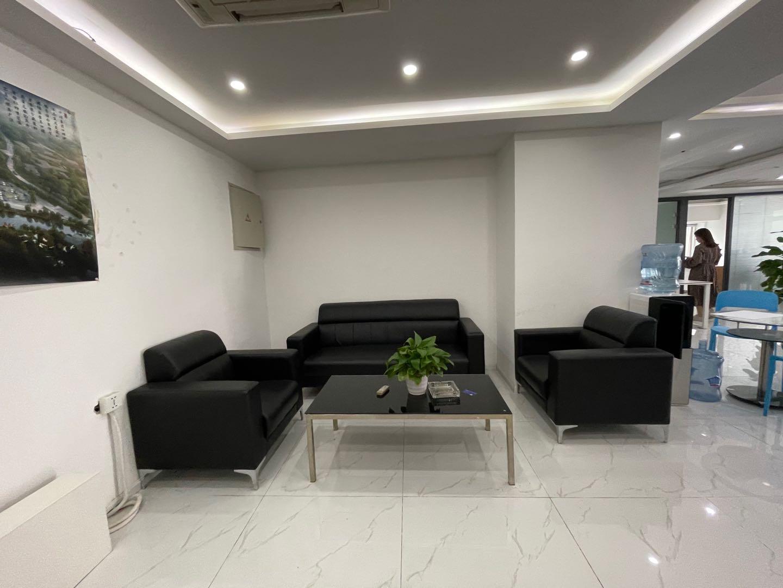 中大君悦236平,精装修带家具,环境优越