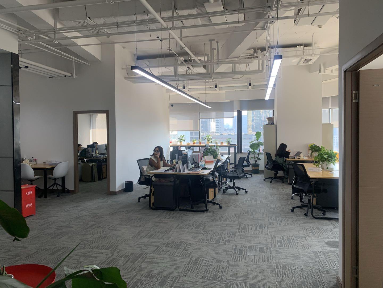 东塔 领地中心327平米  4办+30工位超大空间 开发商合作推荐 青羊区写字楼 青羊区办公室 租小团