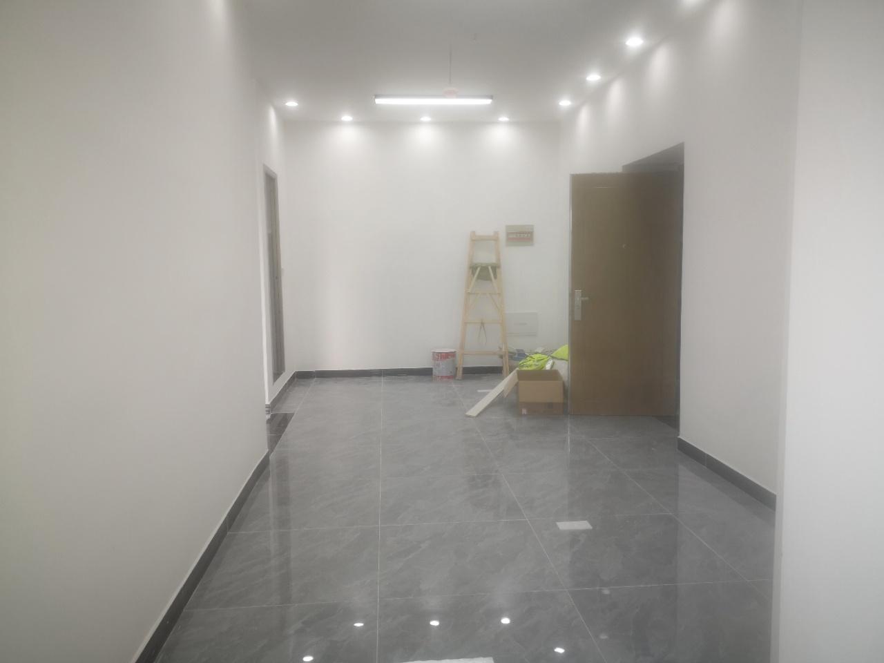 恒大曹家巷广场75平米简装,创业者天堂丨物业低丨 地铁口