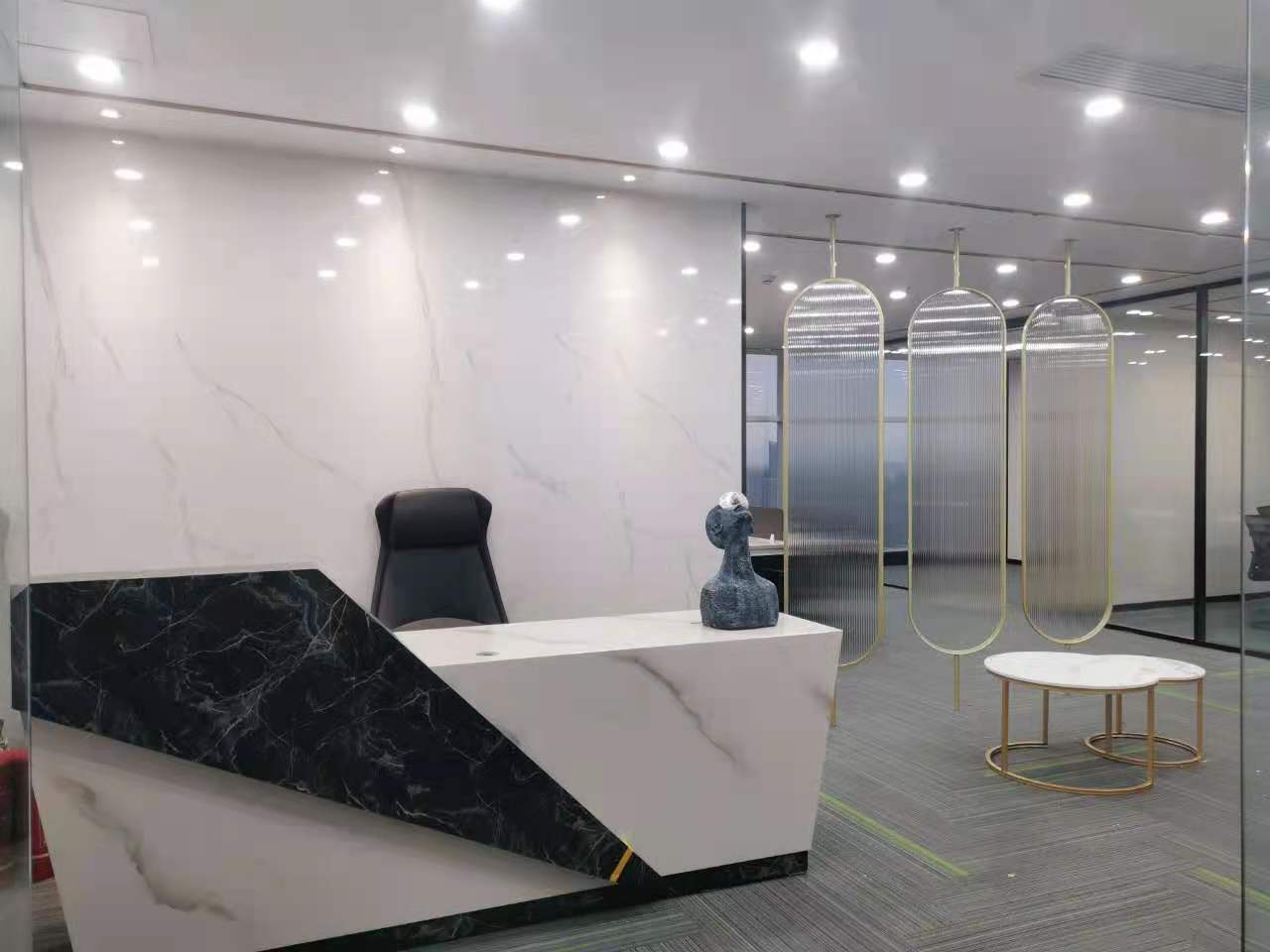 花样年华香年广场208平,精装修,大开间